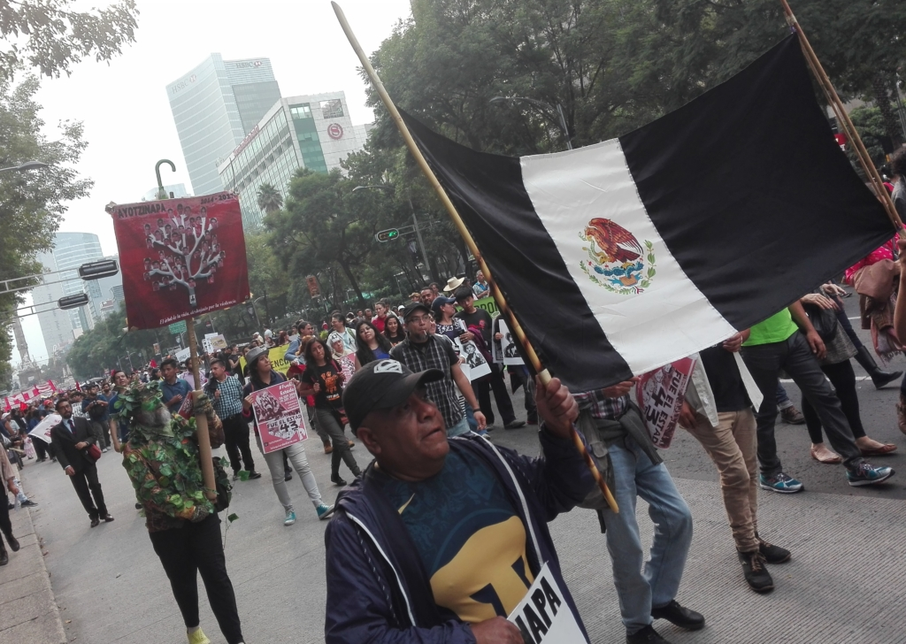 #Ayotzinapa3Años. Una marcha en medio de tanto dolor (fotos)